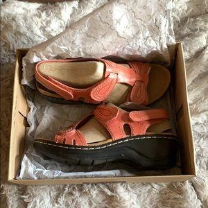 Open toed Clark's